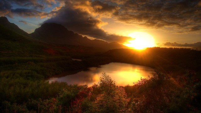 sunset-kauai-hawaii-hdr